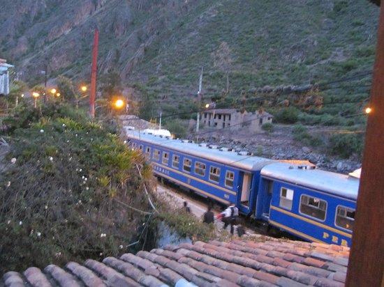 El Albergue Ollantaytambo: Train