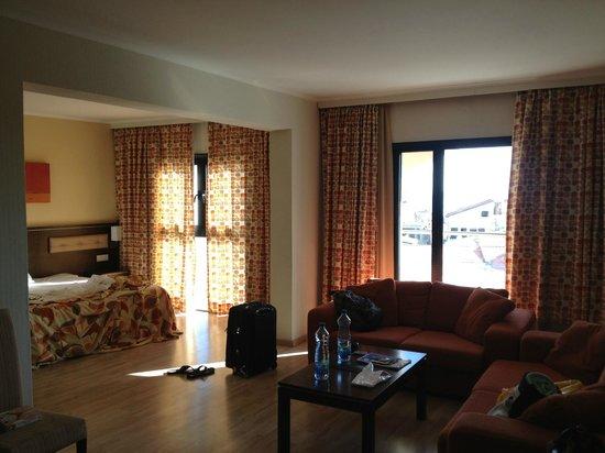 Livadhiotis City Hotel: Inside the room