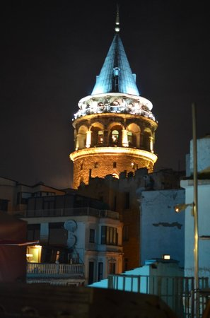 Galata Konak Cafe: view over Galata Tower