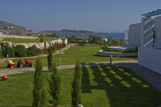 Blue Mare Villas: exterior