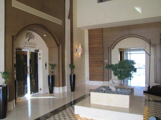 Jannah Eastern Mangroves Suites: Lobby