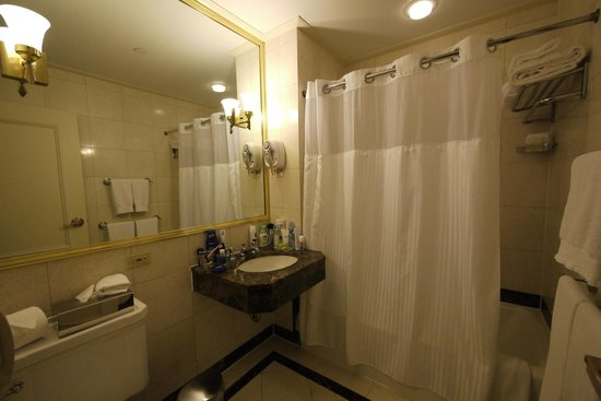 Avalon Hotel: Bathroom