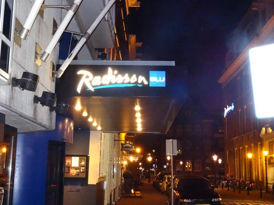 Radisson Blu Hotel, Amsterdam: Radisson Blu Amsterdam...great neighborhood..felt safe