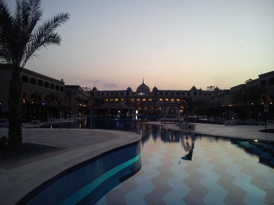 SENTIDO Mamlouk Palace Resort : مساءً