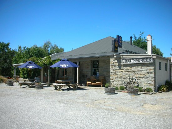 Chatto Creek Tavern: Front of Chatto Creek