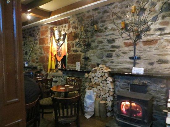The Victoria Hotel: islander bar rothesay a brilliant pub