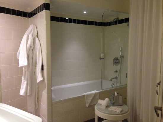 "Hotel Carlton Lyon - MGallery Collection : Top ""clean"" la salle de bain !"