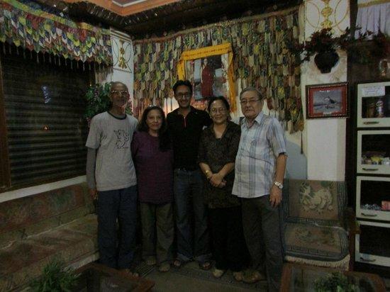 Hotel Utse: utse hotel in thamel entrance with family owners