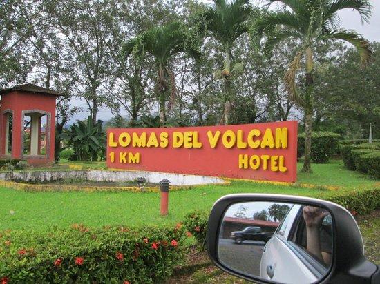 Hotel Lomas del Volcan : sign