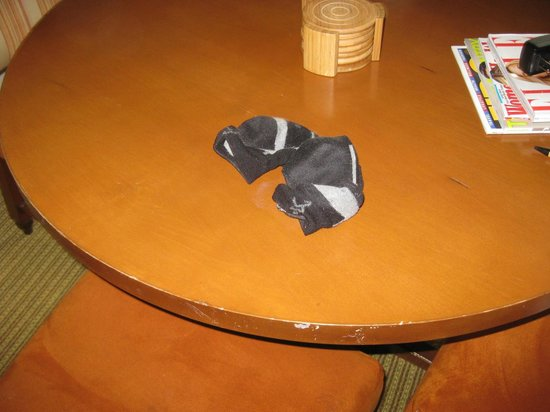 Stowe Mountain Lodge : housekeeping will put dirty socks onto your dining room table