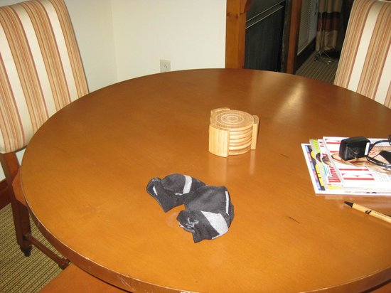 Stowe Mountain Lodge: housekeeping will leave dirty socks on the table you dine off of
