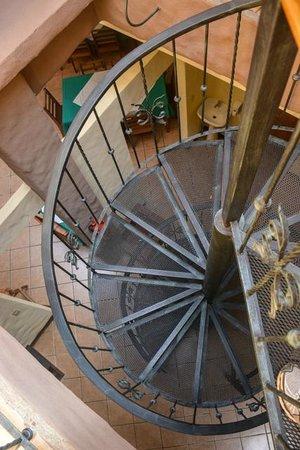Cabinas Casa Esmeralda: Spiral Staircase