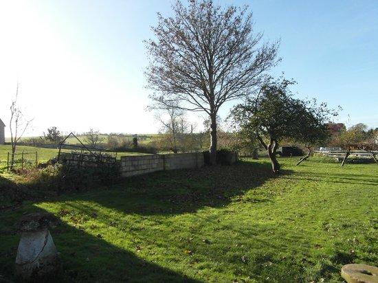 Rollestone Manor: Manor grounds
