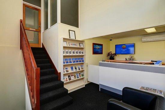 Comfort Inn North Shore: Reception