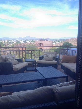Phoenix Marriott Tempe at The Buttes : View from one of the restaurants