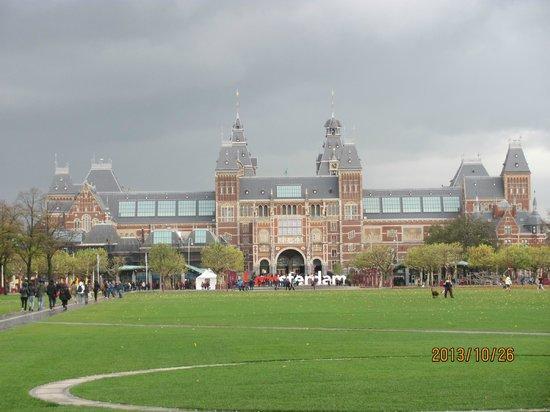 Rijksmuseum Amsterdam : A photo of the Rijks Museum