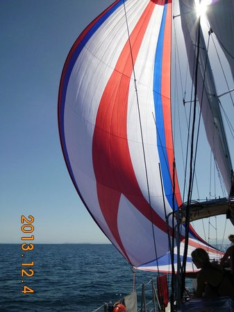 Big Mama Sailing: out with the spinnaker