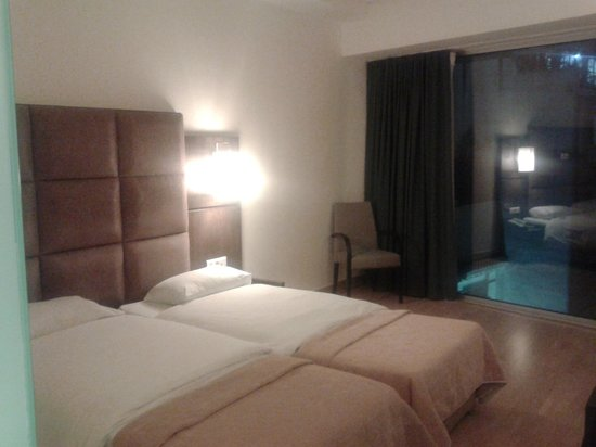 Arion Athens Hotel: Room
