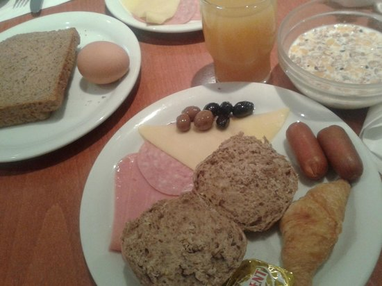 Arion Athens Hotel : Breakfast