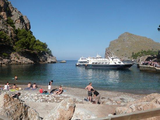Sa Calobra : playa y barco
