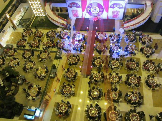 Lijiang Waterfall Hotel: Wedding Banquet from the Eightth Floor