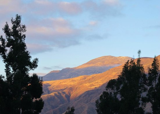Casa Andina Premium Valle Sagrado Hotel & Villas: Sunset on the Sacred Mountains