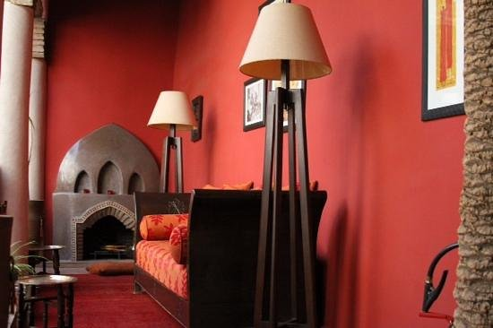 Riad Boussa : relaxing area on the 1st floor