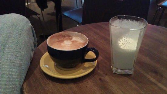 Kaffitar: Latte and Caramel Steamer - Yum