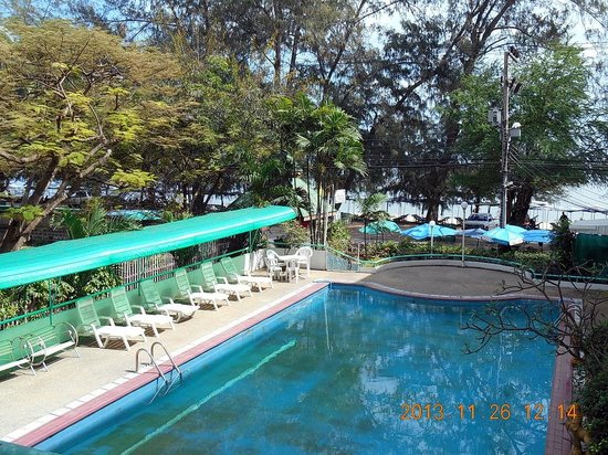 Saengthong Condominium : Ofräsch pool