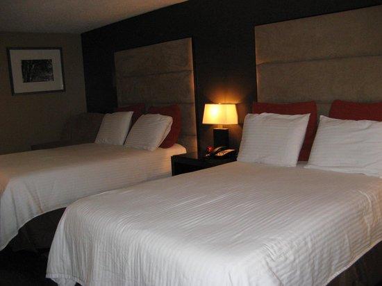 Hershey Farm Inn : 2 Double Beds