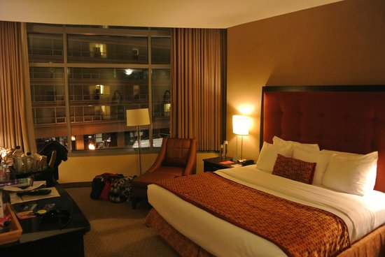 Kinzie Hotel: our room