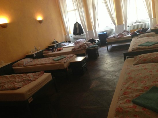 Charles Bridge Economic Hostel: 7-bed female dorm