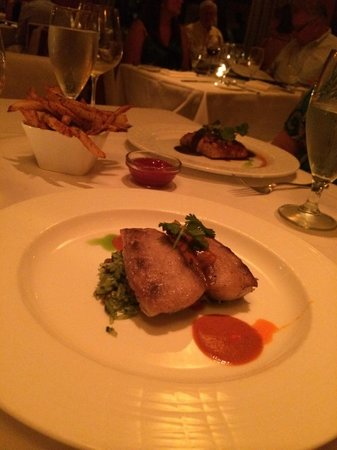 Mesa Grill : Pan seared mahi-mahi, honey-glazed salmon, southwestern fries, and Byron Chardonnay