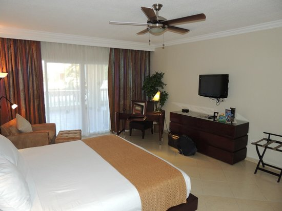 Presidential Suites A Lifestyle Holidays Vacation Resort: Master Bedroom