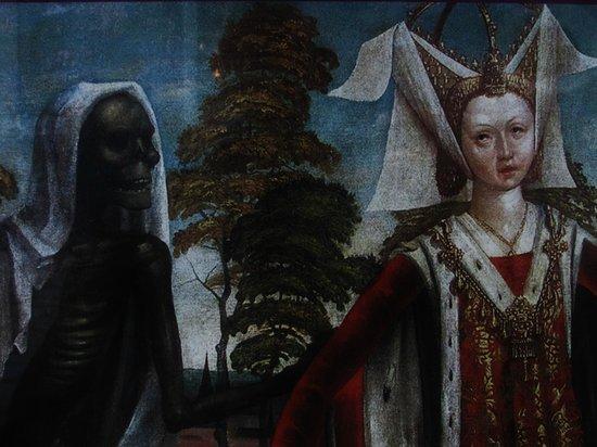 Niguliste Museum: Danse Macabre
