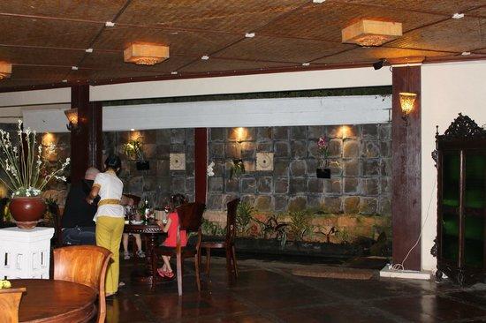 Junjungan Ubud Hotel and Spa: nice big dining room