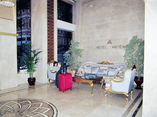 Hotel Antea: The elegant foyer area.