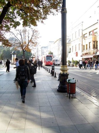 Hotel Antea: The hotel is a walk away from major attractions - and the tram. Traffic in Istanbul is now horri