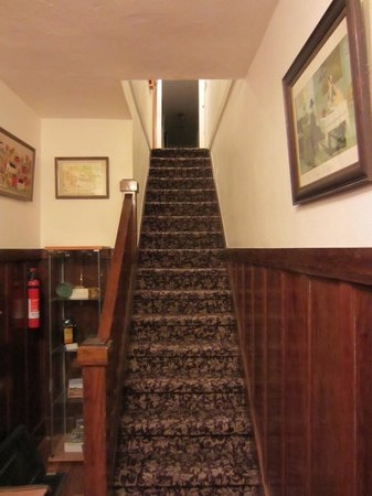 Wine Way Inn: stairs