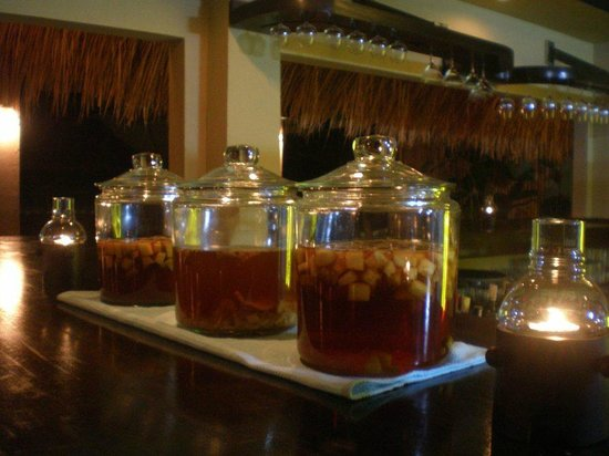 Crave Restaurant & Lounge : marinated spirits