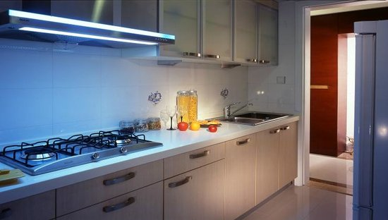 Regalia Serviced Residence: 3房的厨房