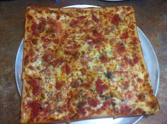 Florham Park Pizza and Restaurant: The famous grandmas pizza