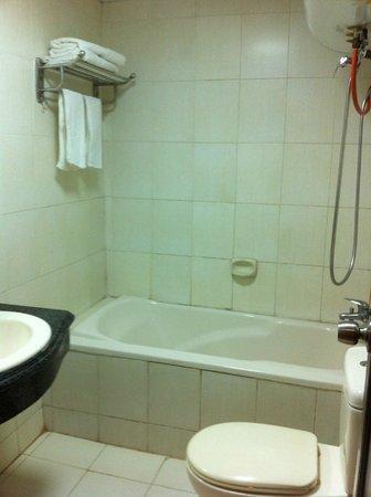 Guilin Oasis Inn: 冬でもお湯が瞬間で出て、全然寒くない。