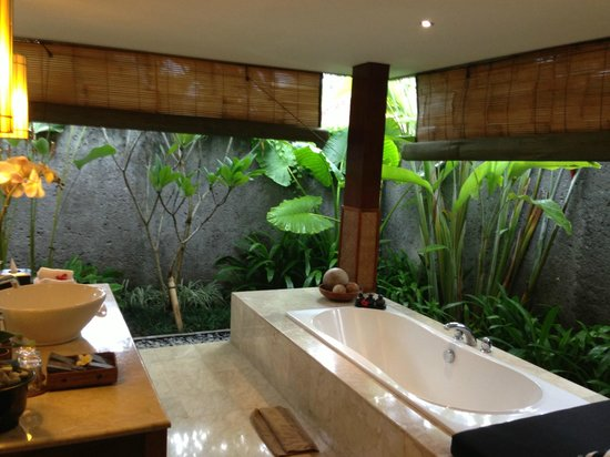 The One Villa: Our Bathroom