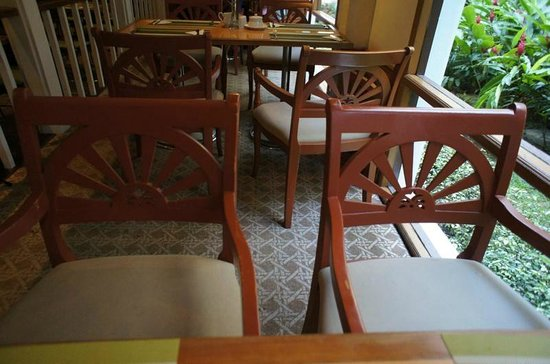 The Imperial Mae Ping Hotel: 朝食会場などの家具調度品は旭日旗デザイン?だからか中国人も韓国人もみかけませんでした。