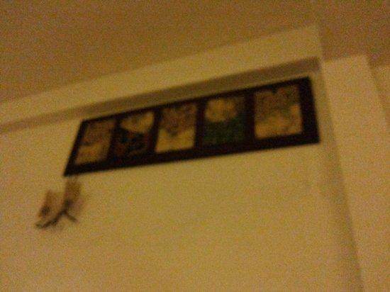 Hotel Da Som Inn: wall pictures