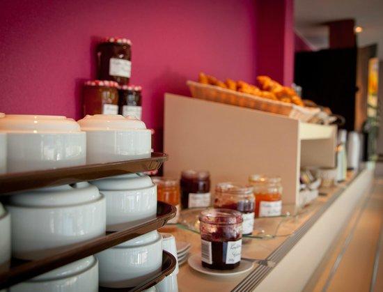 Hôtel Altica Pau : Petit-déjeuner buffet