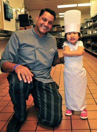 Anaheim Marriott Suites : Junior chef with Chef Hany
