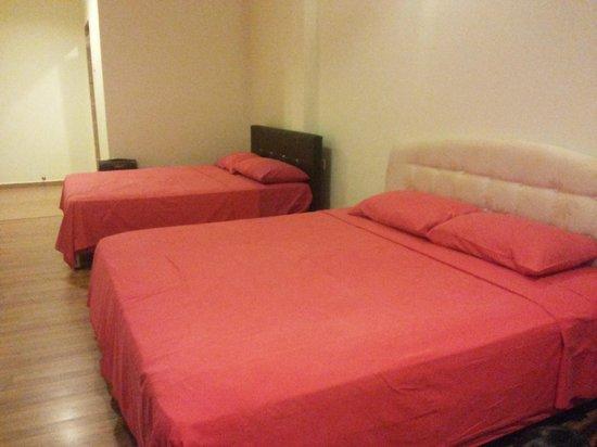 Hotel Da Som Inn: Quad room 2 king beds
