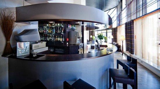 Kyriad Prestige Clermont Ferrand : Bar